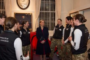 Five British Army women of the Ice Maiden team meet with HRH The Countess of Wessex.