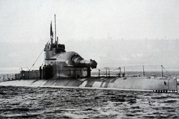 Royal Navy submarine M3 was fitted with the first FY1 No.1 periscope.