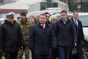 The Defence Secretary with the Ukrainian Minister for Defence